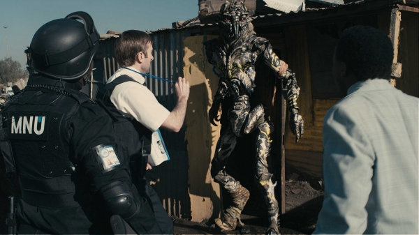"1 ""District 9"" (2009)"