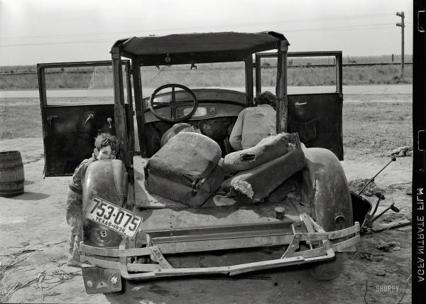 Rasel Li, Beli iseljenik sa ženom popravlja kvačilo svojih kola u blizini Herlingena