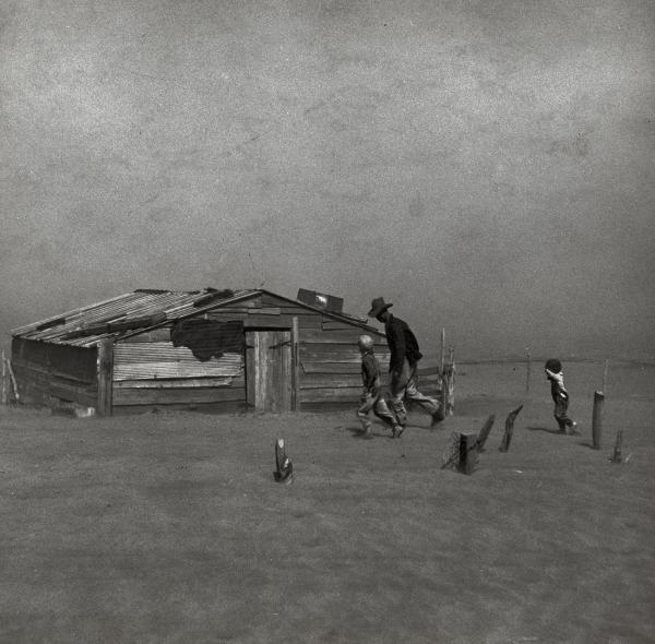 Artur Rotštajn, Farmer i njegov sin hodaju kroz peščanu oluju