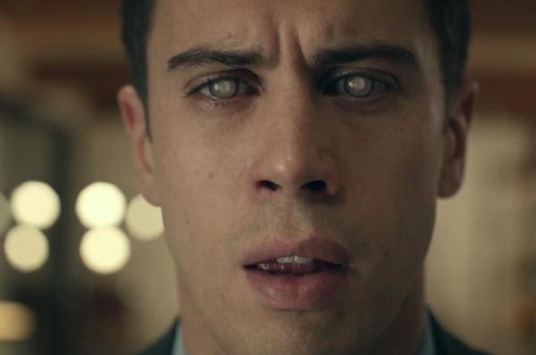 4 Black Mirror (2011)