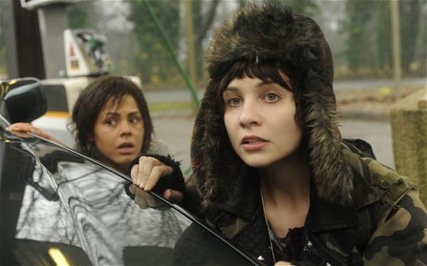 6 Black Mirror (2011)
