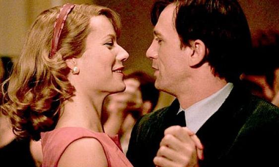Sylvia (2003) - Sylvia Plath (Gwyneth Paltrow), Ted Hughes (Daniel Craig)