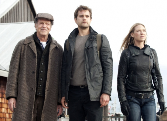 Walter Bishop (John Noble), Peter Bishop (Joshua Jackson), Olivia Dunham (Anna Torv)